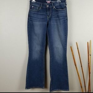 Denizen from Levi's Modern Boot Cut size 28 jeans